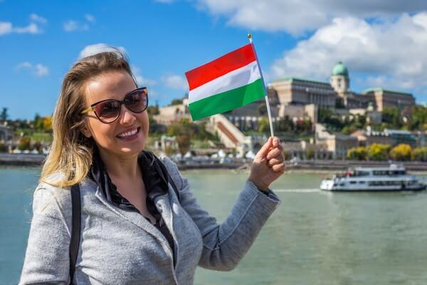 Traveller with Hungarian flag